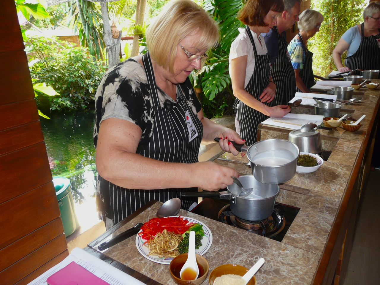 Die Kochfee Monika von Koch-rezepte.me kocht das Gericht nach und hat viel Spaß dabei