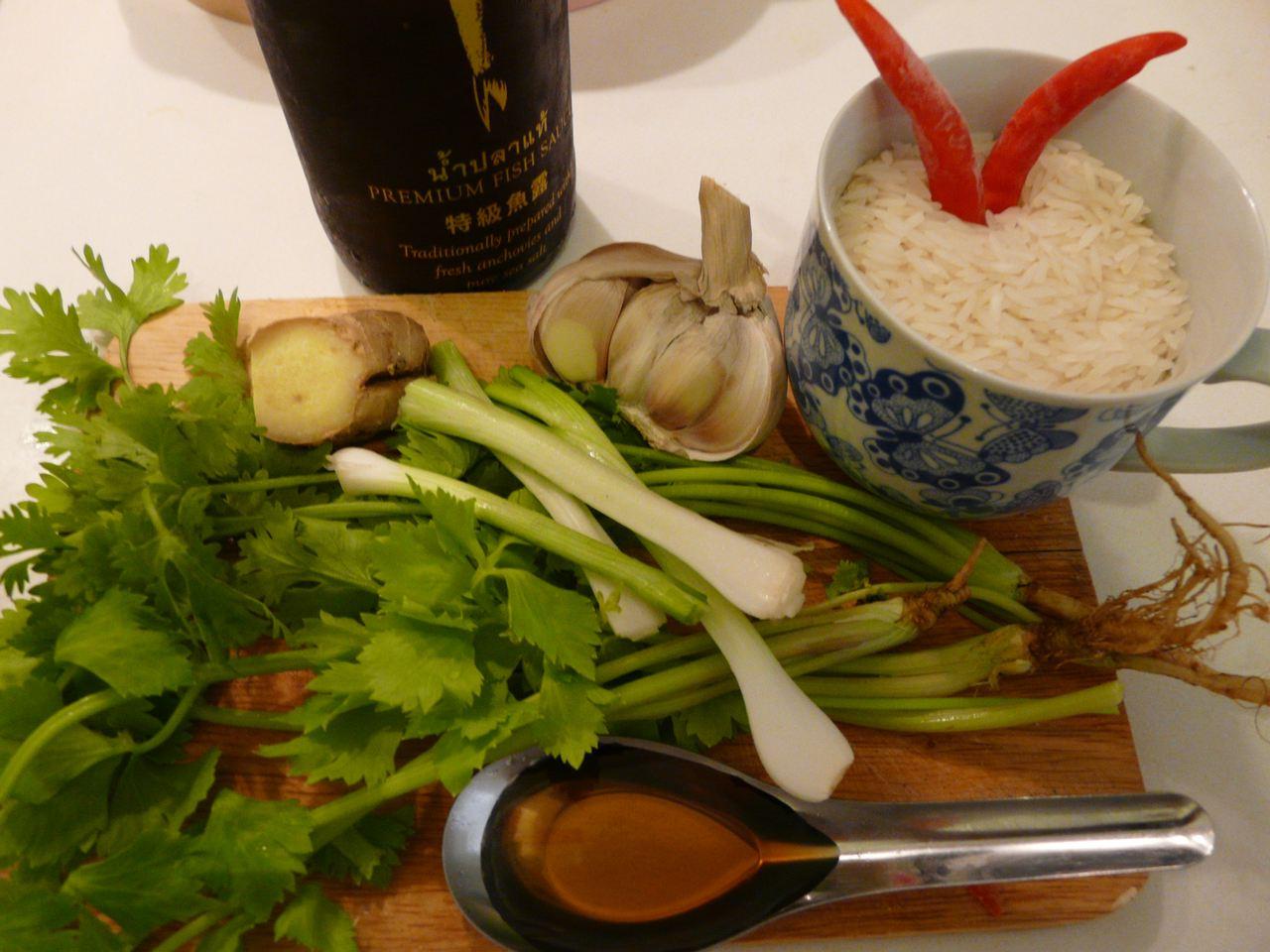 Zutaten für Thai Reissuppe Khao Tom mit Ingwer
