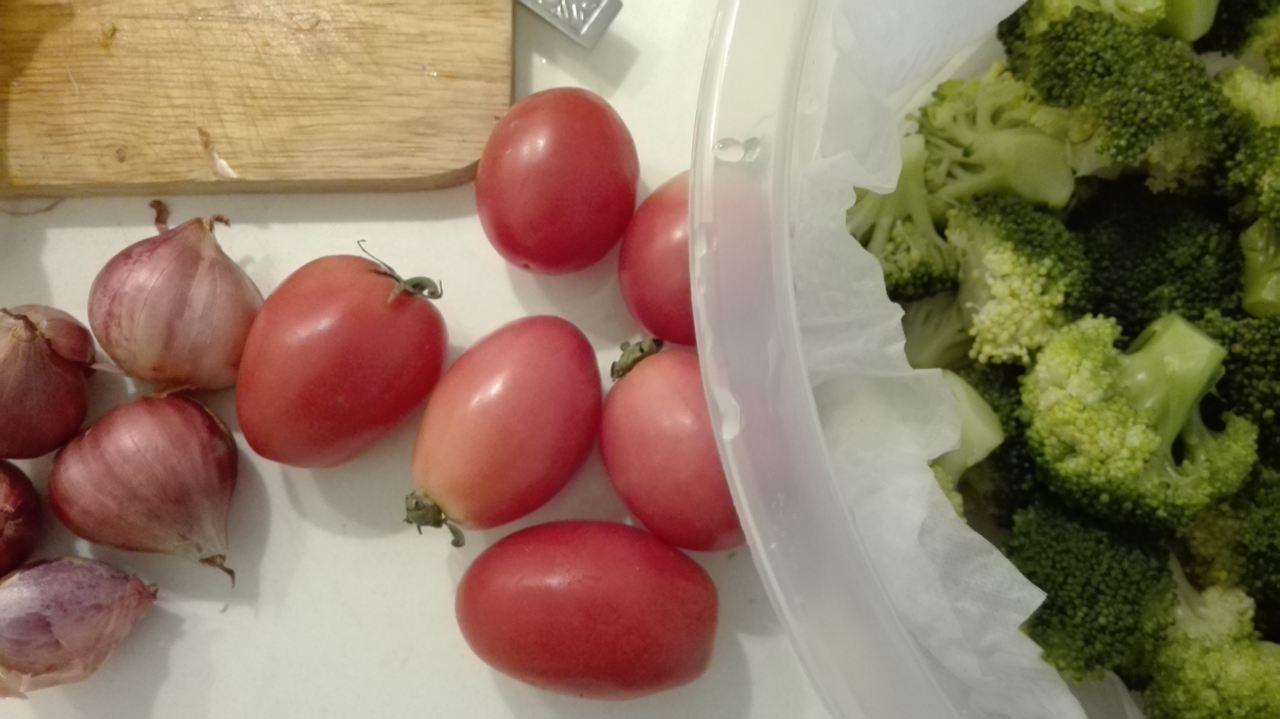 Brokkoli  in kochendem Wasser 8-10 Minuten dünsten, bissfest