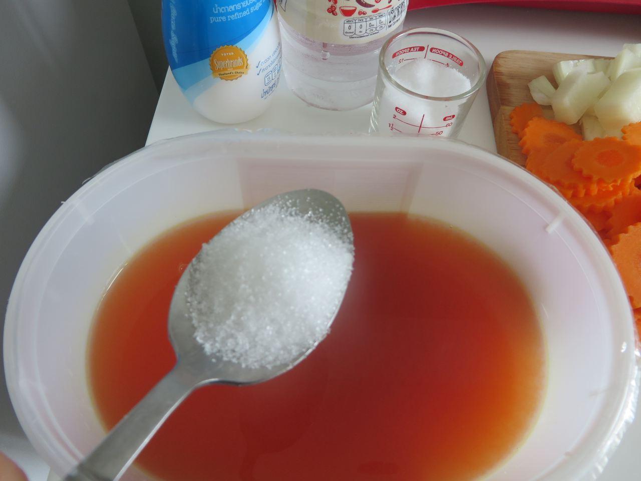 In die Sauce kommt Zucker