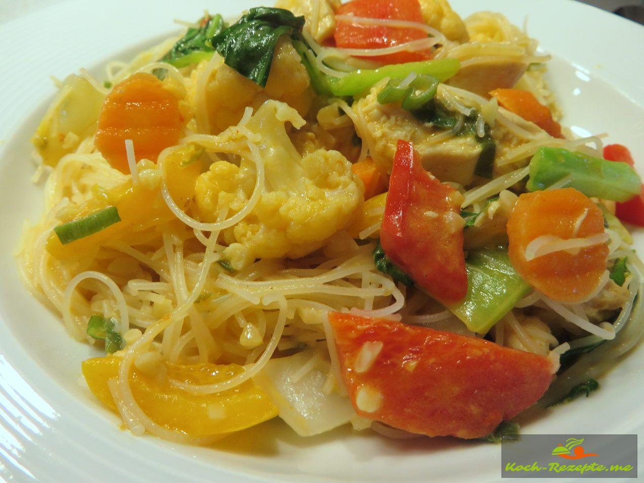 Guten Appetit mit Pak Choi Rezept Thai, Zubereitung mit Huhn, Kokosmilch und Glasnudeln